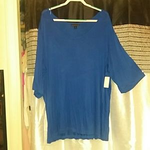 Blue 3/4 sleeve top